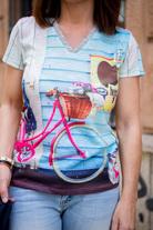 3a464b8e4 La ropa estampada colorea nuestros días y nos llena de vida. La camiseta es  una de las prendas más usadas en cualquier época del año