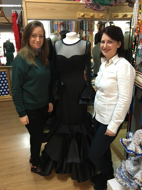 El vestido de flamenca en Granada tiene una ESTRELLA DE ORO a la excelencia profesional, el de HITA Y ARCOS