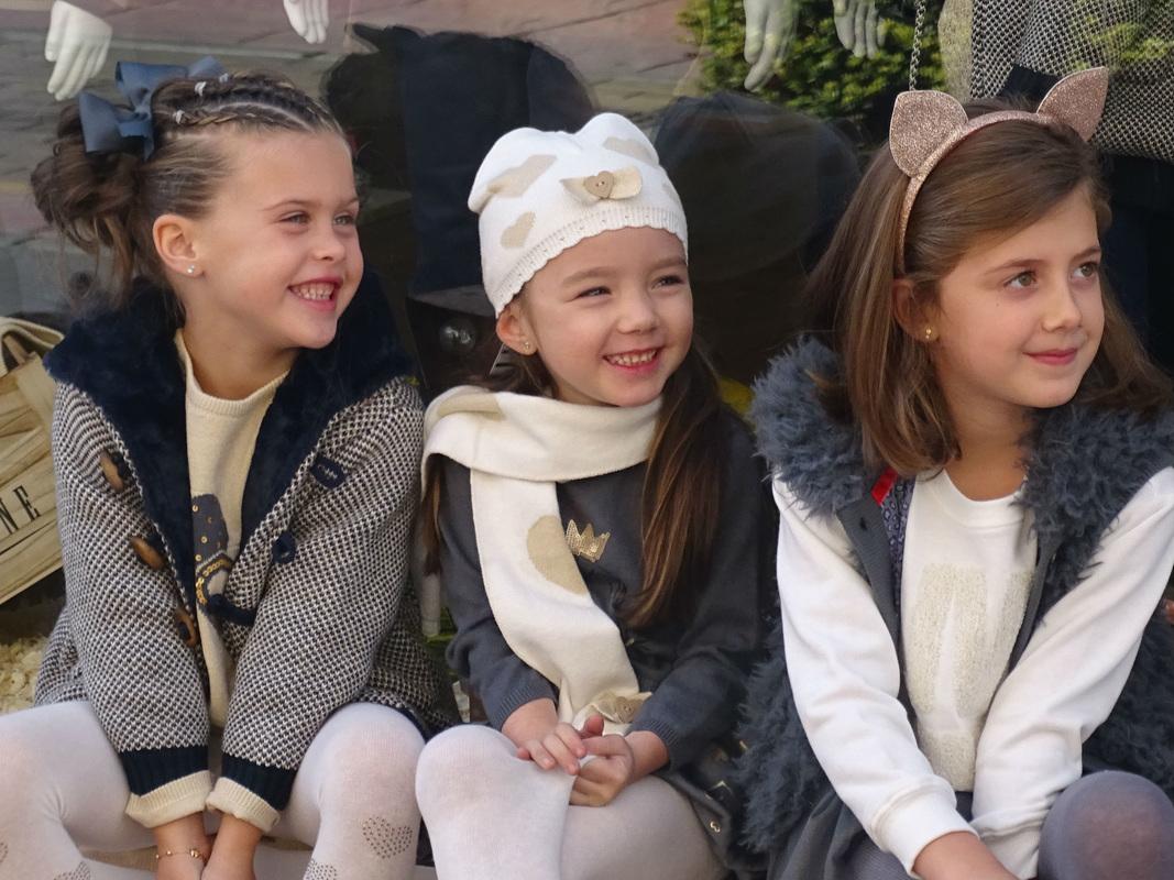REBAJAS INFANTILES, las niñas van a la última en El Vestidor de Elsa Kids