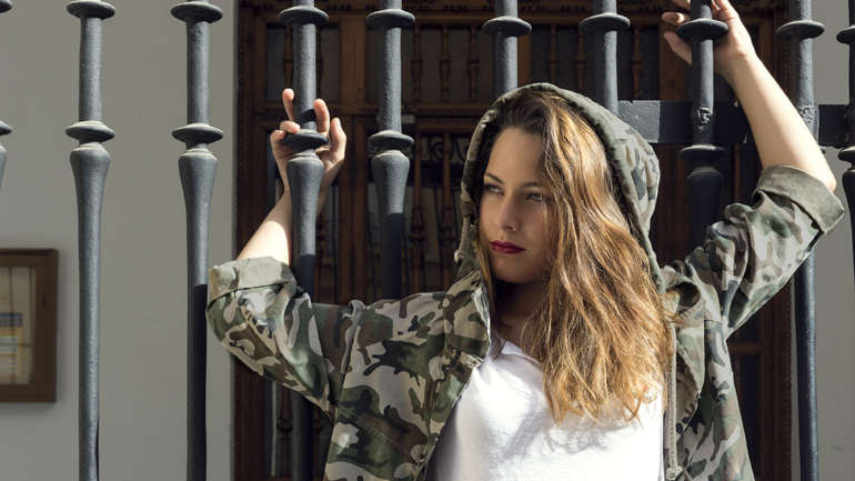 Camisas militares, llega pisando fuerte la nueva colección de la boutique BLONDIE