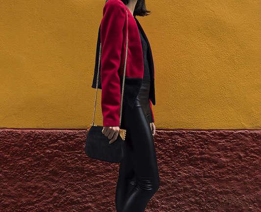 Colección winter 2017 de Pilar Dalbat, ODEÓN. El rojo carmín no sólo va en los labios.
