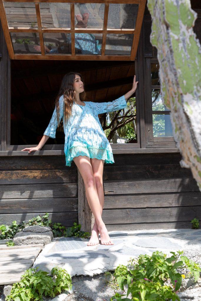 vestido boho de encaje corto